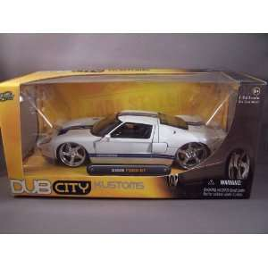 2005 Ford GT diecast model car 124 scale die cast by Jada